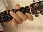 Kytara - chybné držení levé ruky